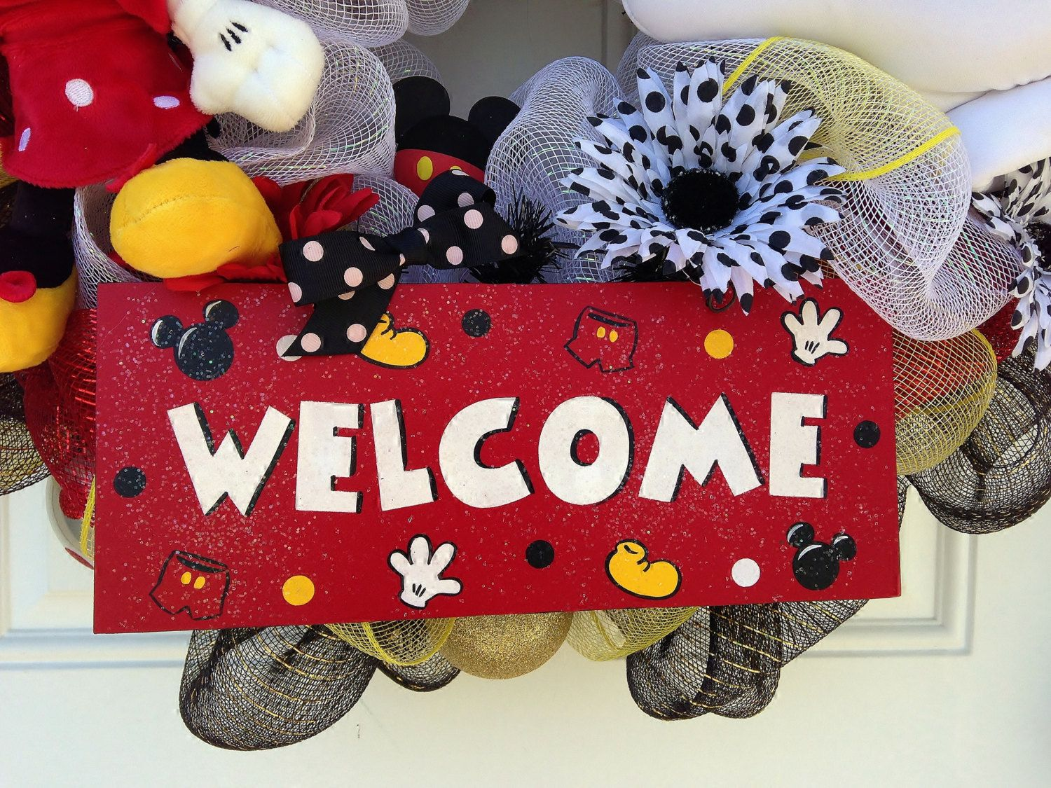 Mickey Mouse Wreath Welcome Sign