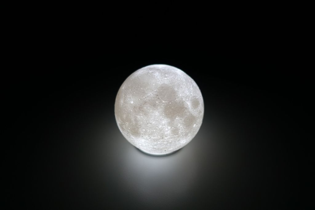 High Detailed Moon Lamp By Moononournation Thingiverse 3d Printed Objects Lamp Moon