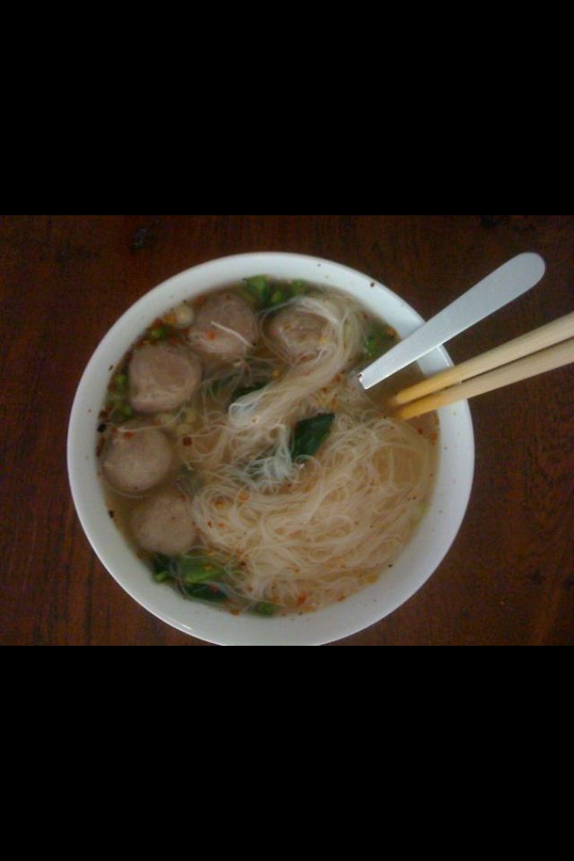 Baso, one of the famous street food in jakarta , meat ball with rijst noedel soup