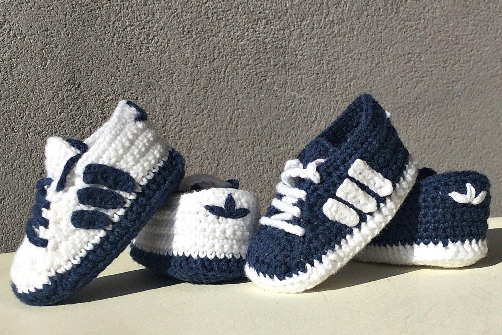 Milagroso conciencia Favor  Zapatos zapatitos bebé crochet recién nacido, patucos talla 8,5 cm estilo  adidas | Bebés, Ropa, calzado… | Botas de crochê, Sapatinho de crochê,  Crochê para meninos