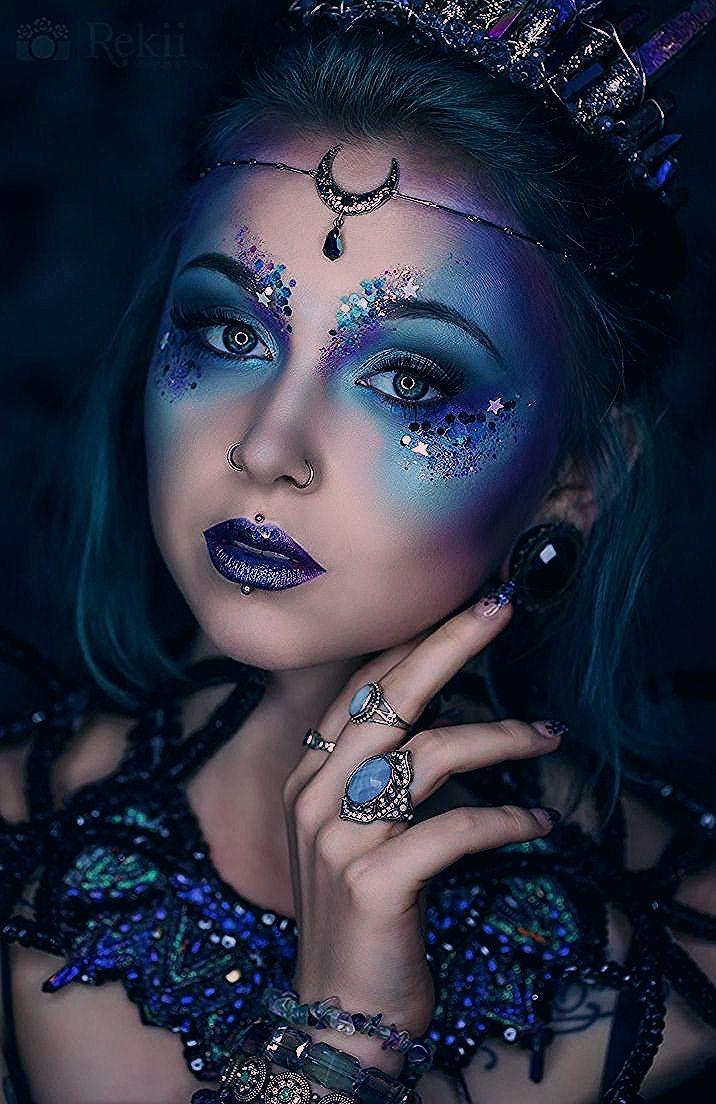 Photo of Gothic und Amazing, beeindruckendes Make-up in Blau- und Violetttönen –  #amazing #beeindruck…