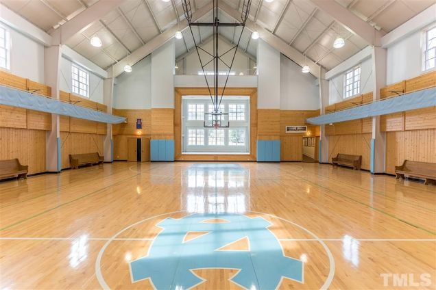 John Edwards Lists His 102 Acre Estate In North Carolina Which Features A Custom Tar Heels B Home Basketball Court Indoor Basketball Court Indoor Sports Court