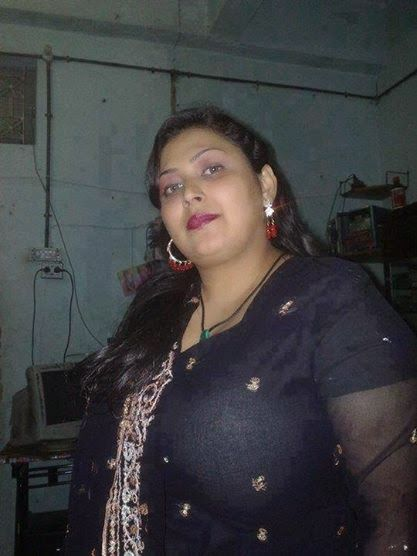 mature sexy women pakistan