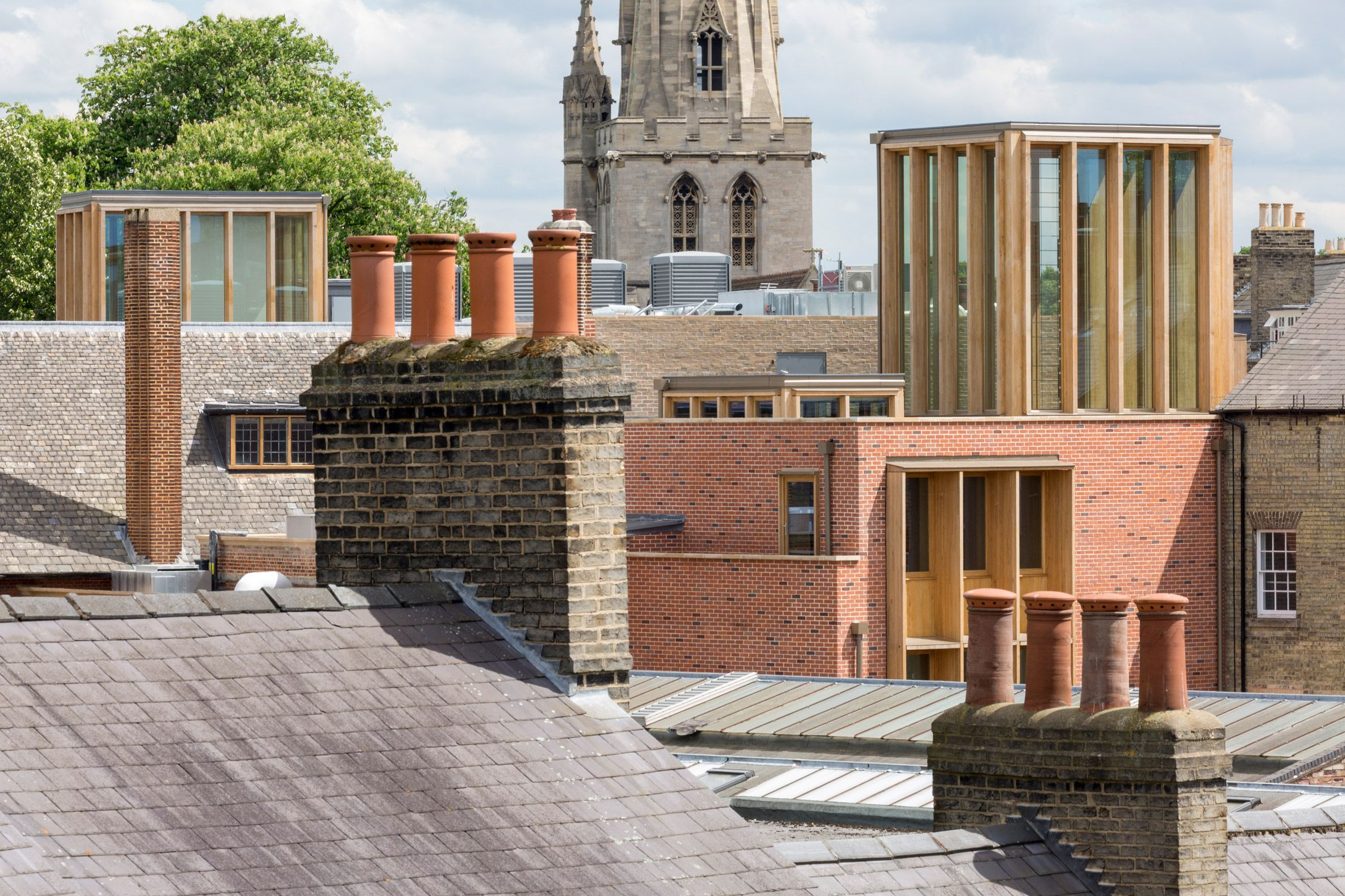 Niall McLaughlin Architects updates Cambridge college using
