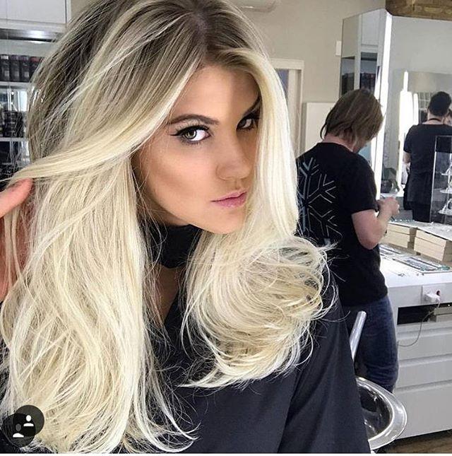 Instagram Post By Natalia Oliveira Thaiaoliveira Platinum Hair
