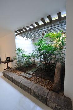 Geoffrey Bawa Sri Lankan Architecture חיפוש ב Google Courtyard Gardens Design Indoor Courtyard Interior Garden