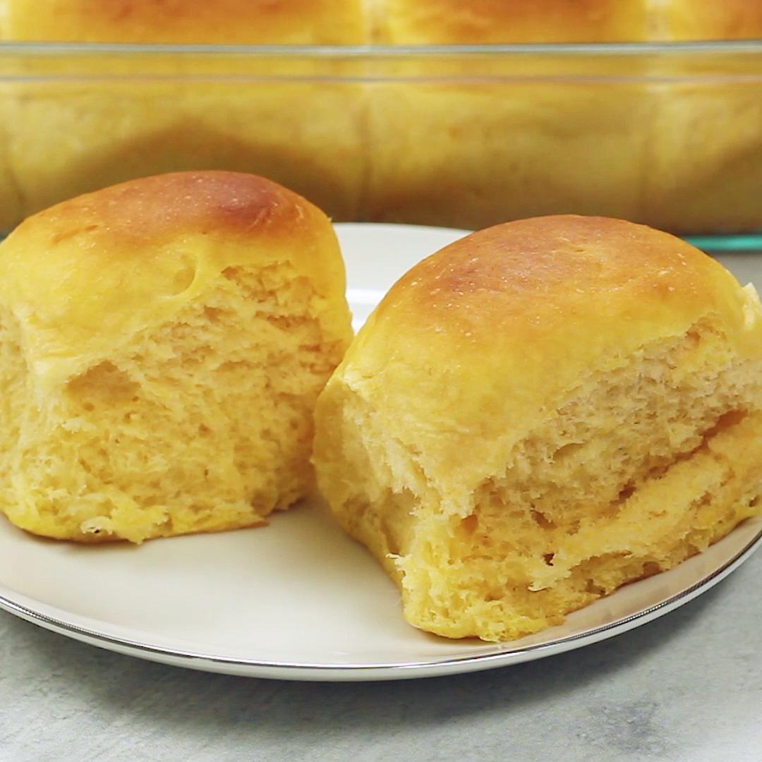 Sweet Potato Dinner Rolls images