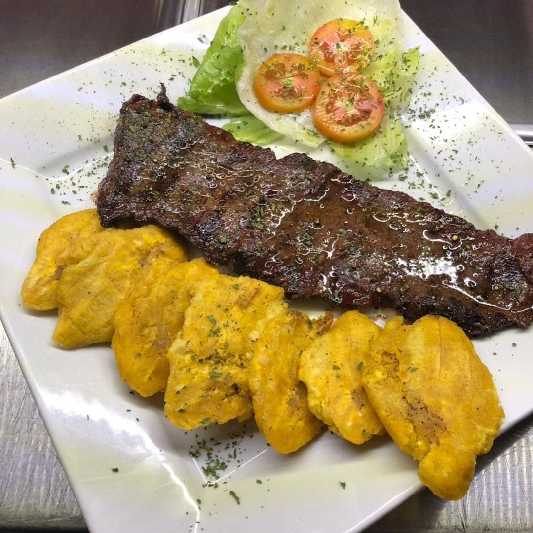 El churrasco a la parrilla Ingredientes para salar la carne 4 kilos de churras