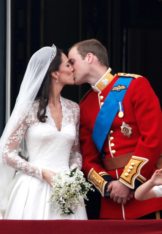 kate middleton dress | Royal Wedding - Kate Middleton in a Sarah ...