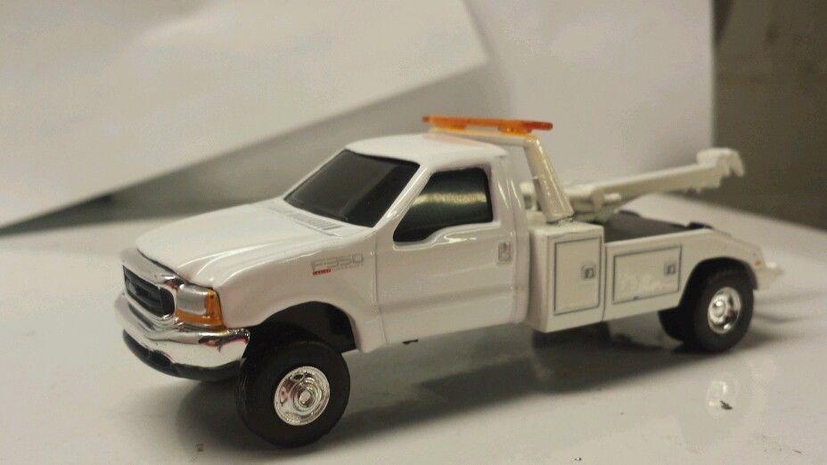 1 64 Ertl Custom Ford F350 Tow Truck Wrecker Farm Toy Dcp Display