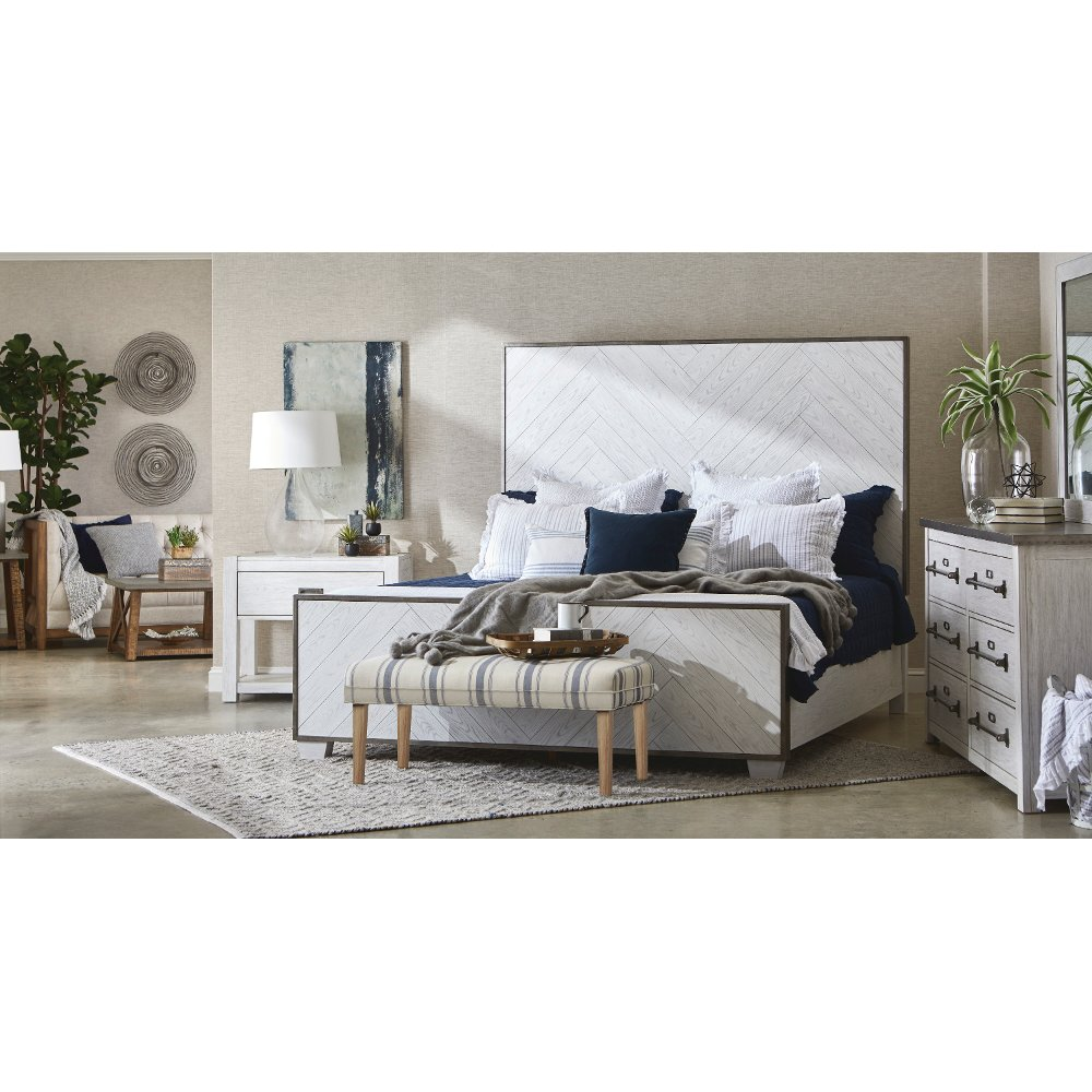 Modern Farmhouse White Queen Bed Modern Eclectic in 2020