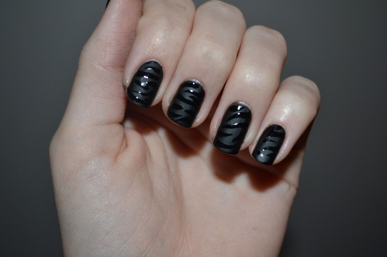 Captivating Glossy Black Stripes Motif On Matte Black Nail Design ...