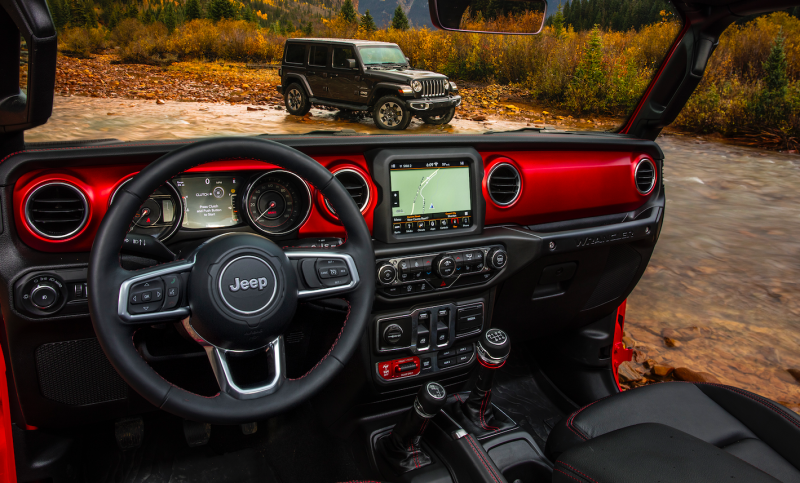 Here S How The 2018 Jeep Wrangler S Interior Compares To The Old One Jeep Wrangler Interior New Jeep Wrangler Jeep Wrangler Accessories
