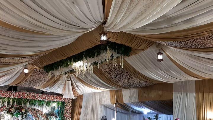 #pelaminanjawa #pelaminanmodern #pelaminanrustic #rusticwedding #rusticdecor #tendadekorasi #tendatangerang #wedding...