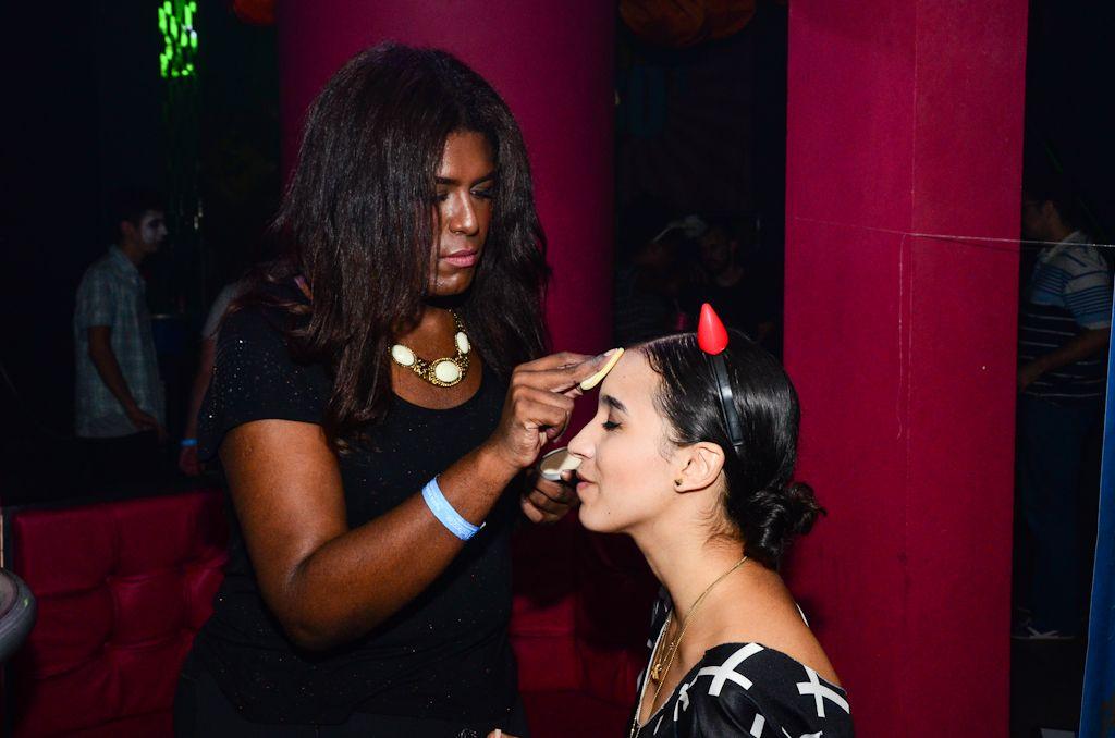 Maquiagem temática no evento Kekanto na Trash 80's em SP.