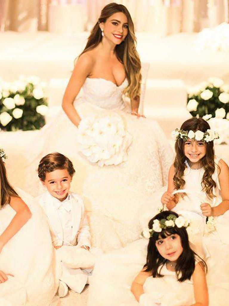 The Most Iconic Wedding Dresses Of All Time Sofia Vergara Wedding Celebrity Bride Sophisticated Wedding Gown