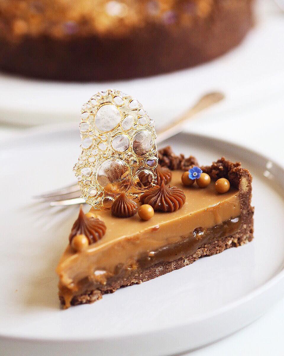 tærte med karamel og chokolade | The Food Factory #kageideer