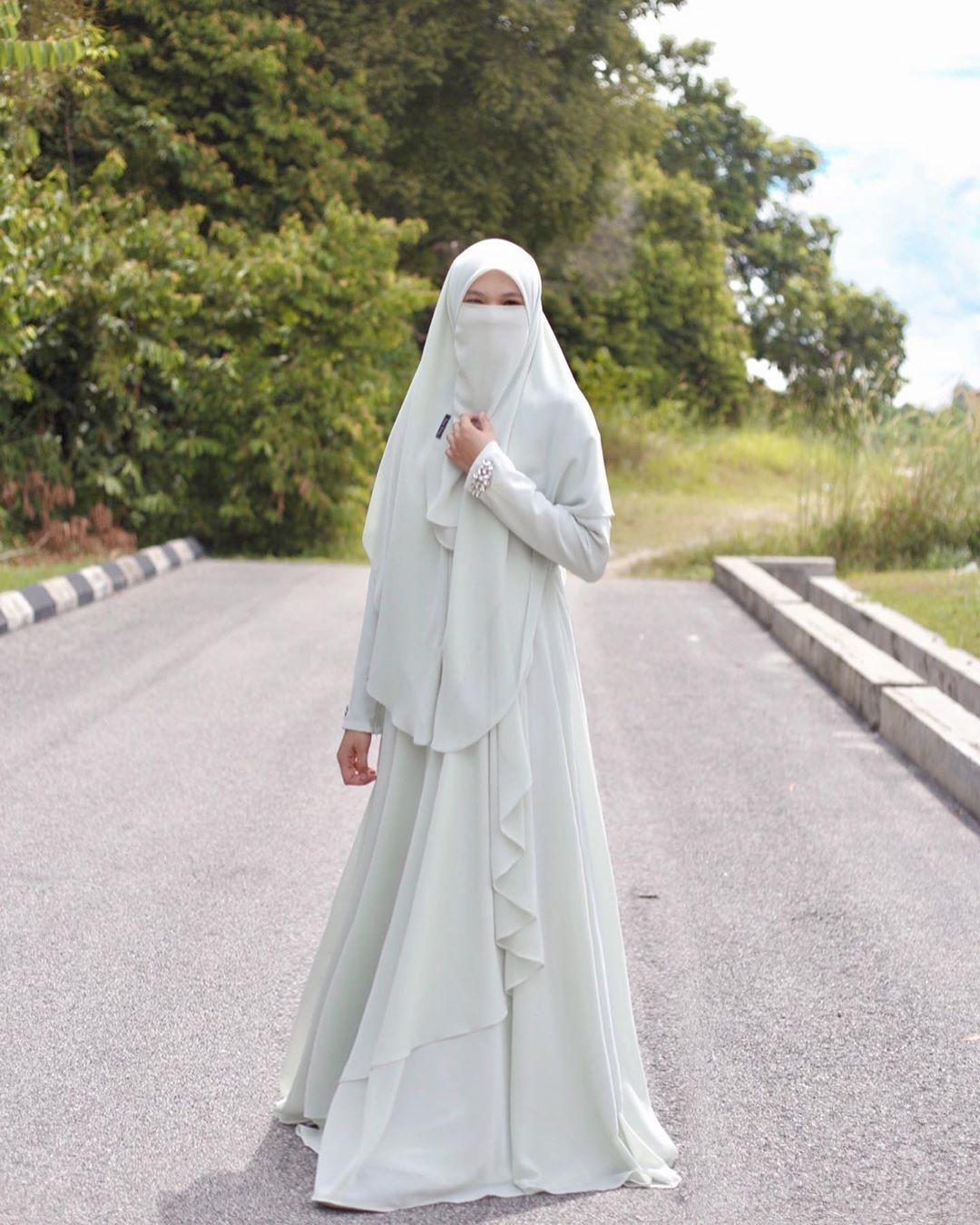 1 173 Likes 382 Comments Jubah Dress Bridal Khimar Zuzasdotes On Instagram Ramai Request Nak Tgk P Niqab Fashion Hijab Fashion Muslim Fashion Outfits