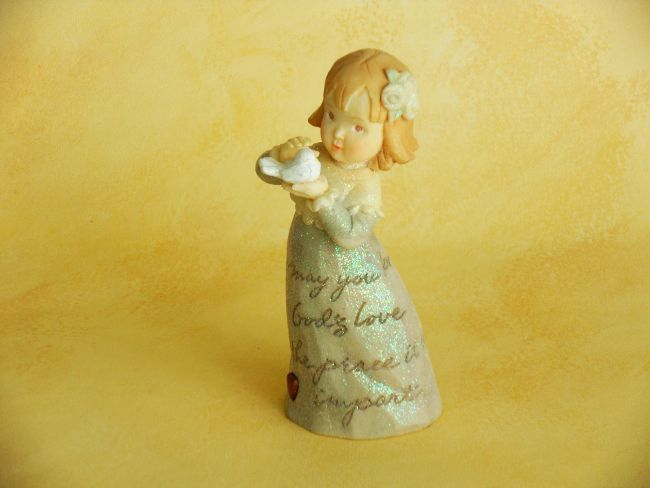 Girl And A Dove - Figurine / Confirmation   Currently $13.99