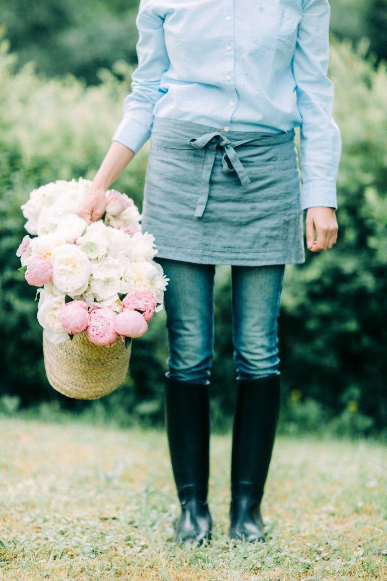 Kukkakauppa Helmivillakko Floral Design toteuttaa kauniit ja yksilölliset kukkasidonnat elämäsi tärkeimpiin hetkiin.