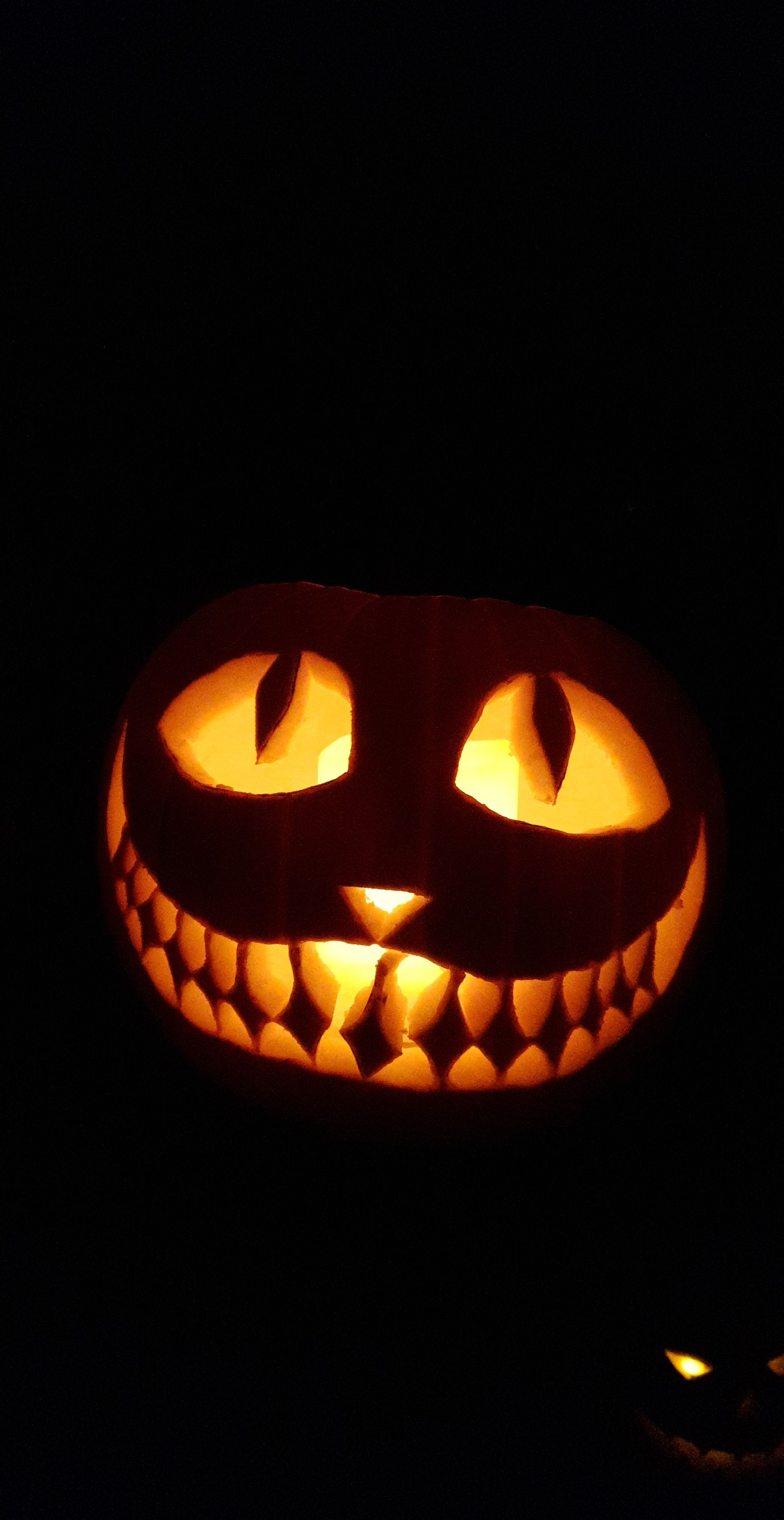 Made a cheshire cat jack o'lantern today 🎃😸