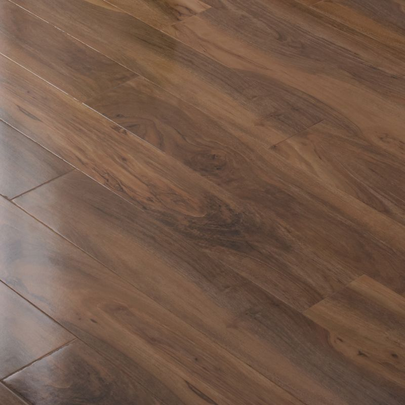 B Q Bevel Loc Walnut Effect Gloss Plant Laminate I So Want This For My Bedroom Flooring Laminate Flooring Diy Flooring