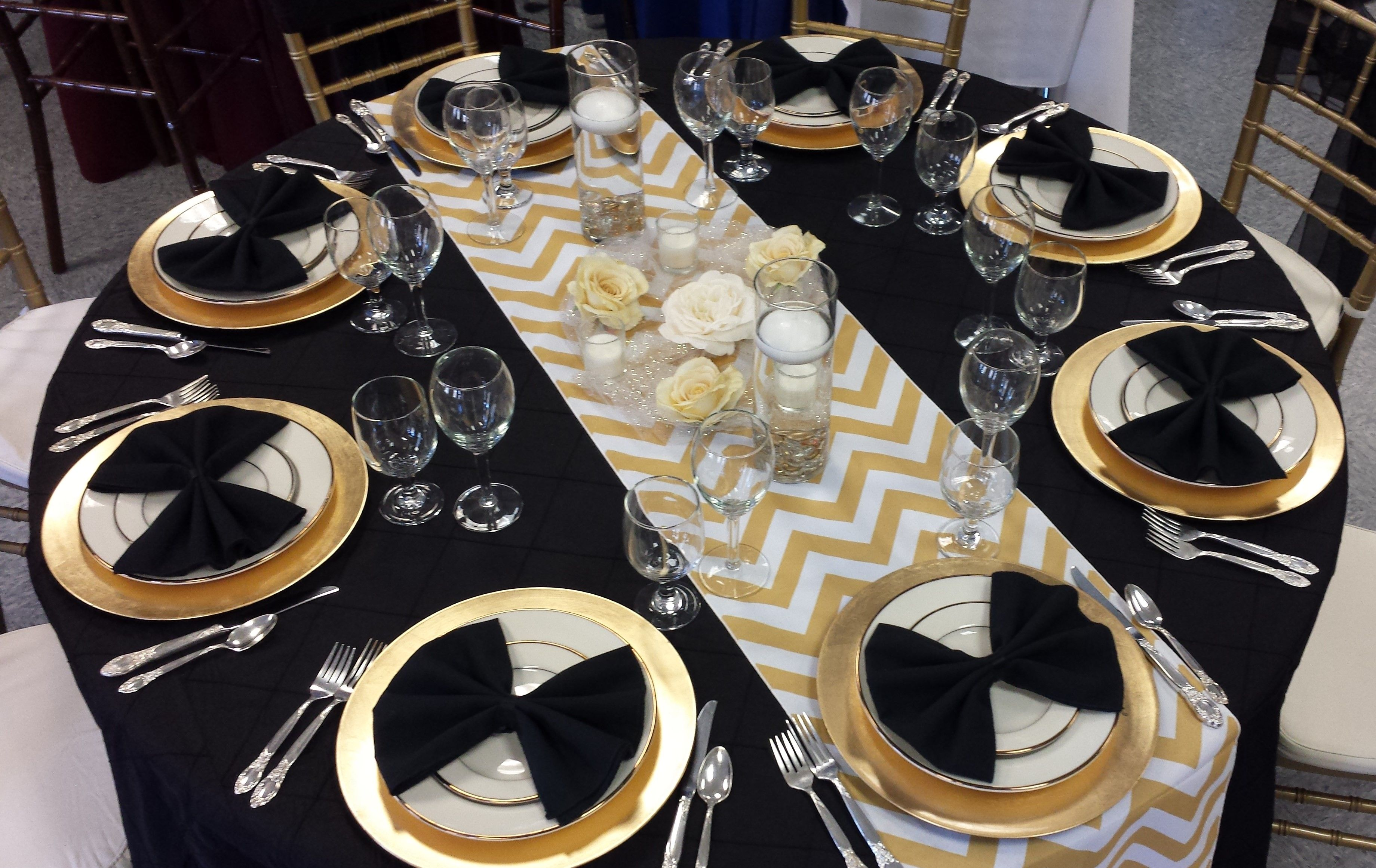Black And Gold Table For Your New Years Party. The Chevron Runner With The  Gold