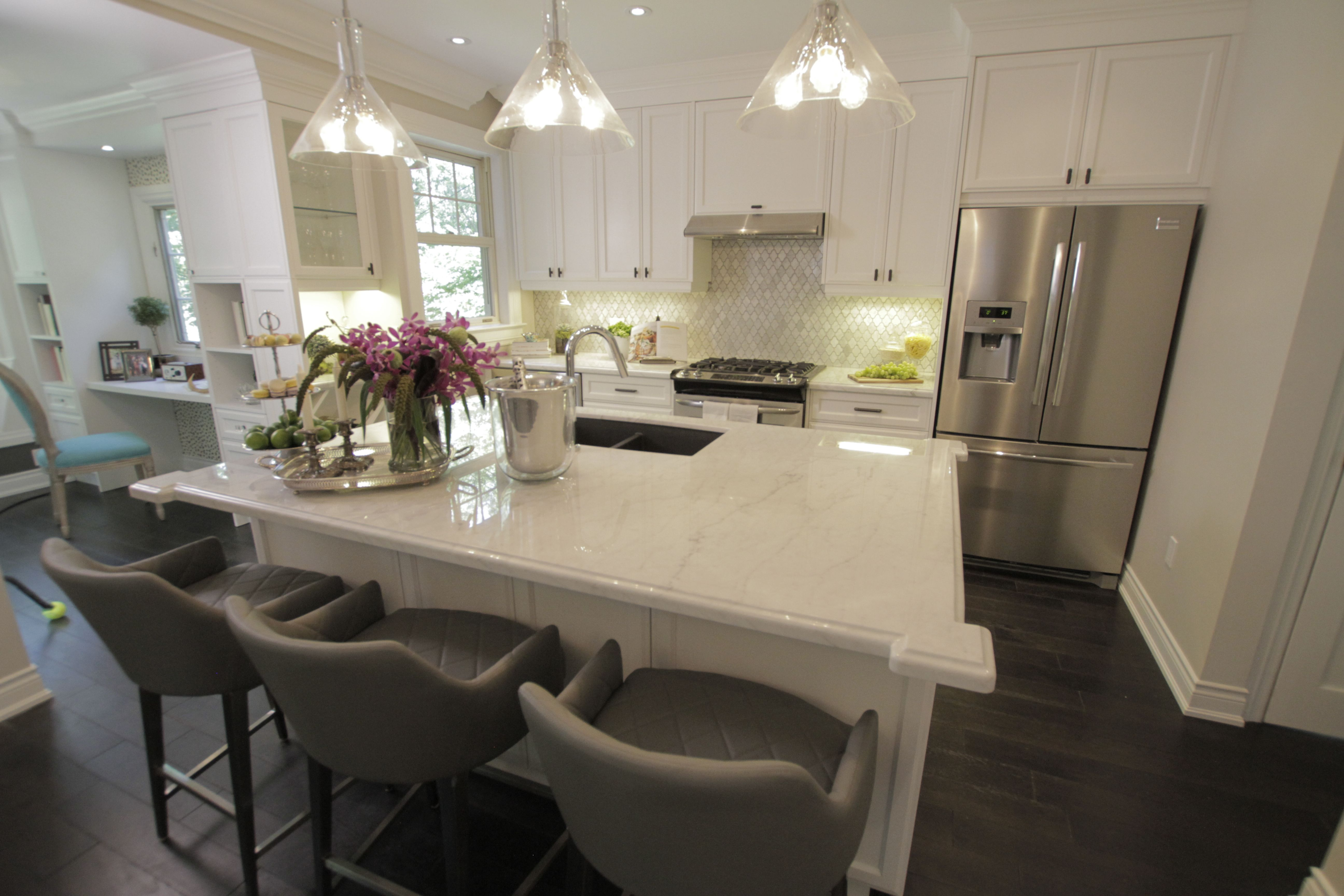Awesome Kitchen Remodel by the Property Brothers, Jonathan and Drew ...