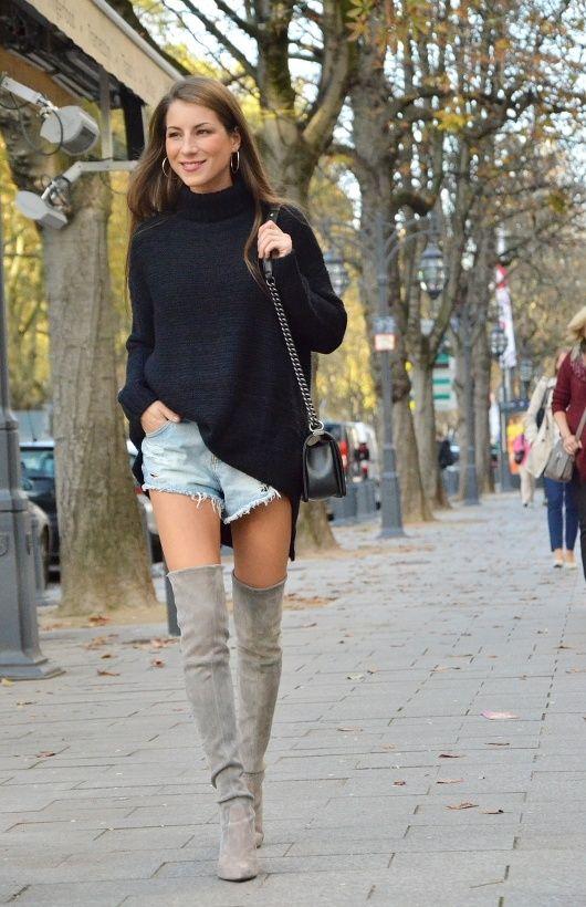 overknees rolkragen pullover jeans short Chanel boy bag outfit inspiration b977757955