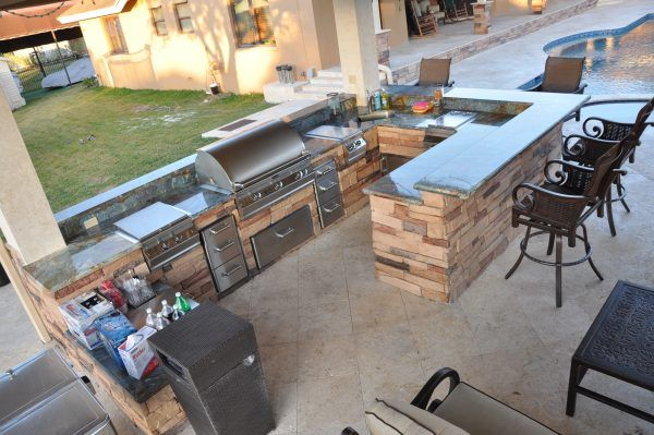 Image Of Glittering Outdoor Kitchen Counter Materials From Stone Veneer And Grey Marble Kitchen Cou Backyard Grill Ideas Outdoor Kitchen Outdoor Kitchen Design