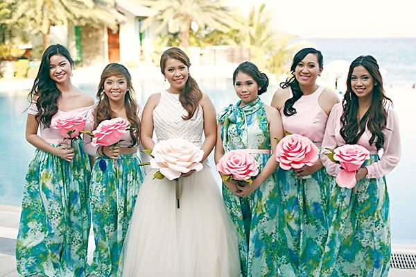 The Coachella Charm | http://brideandbreakfast.ph/2015/02/22/the-coachella-charm/ | Photography: We Do It For Love | Printed bridesmaid dresses