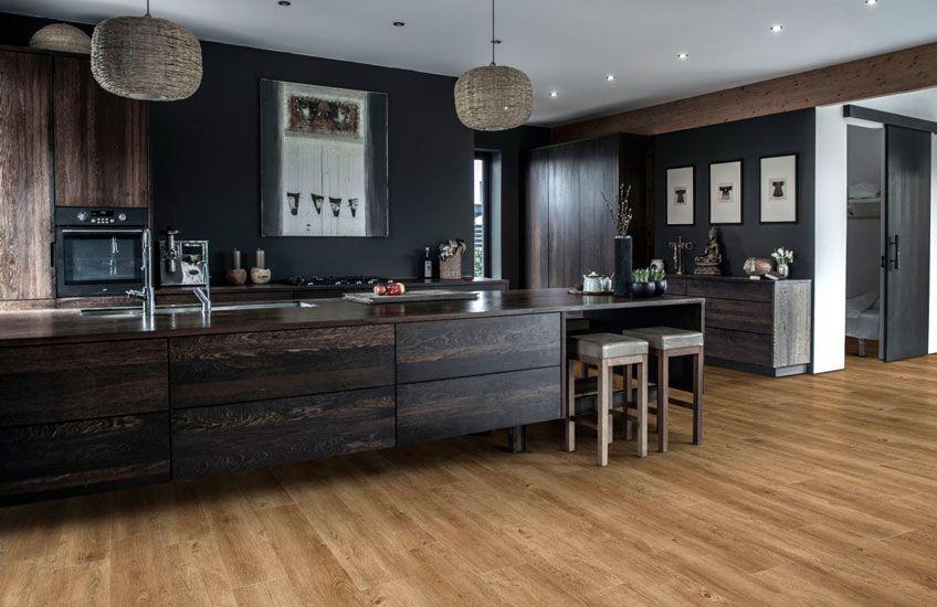 Combineer deze warme pecanhouten vloer met koude kleuren en er ontstaat een levendige woning - Warme koude kleuren ...