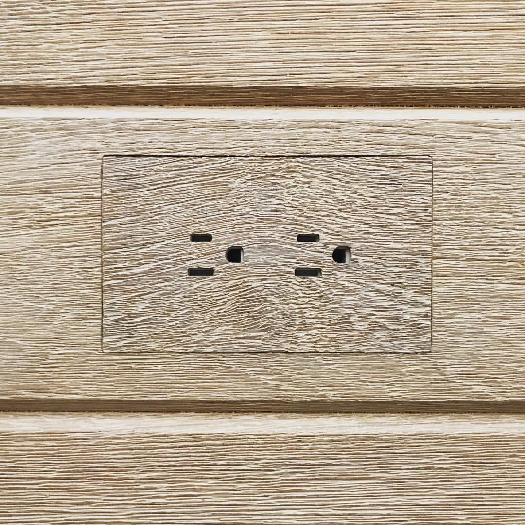 "185 Likes, 31 Comments - Jamie Bush + Co (@jamiebushco) on Instagram: ""DETAILS #godisinthedetails #design #interiors #interiordesign #teak #wirebrushed #wood…"""