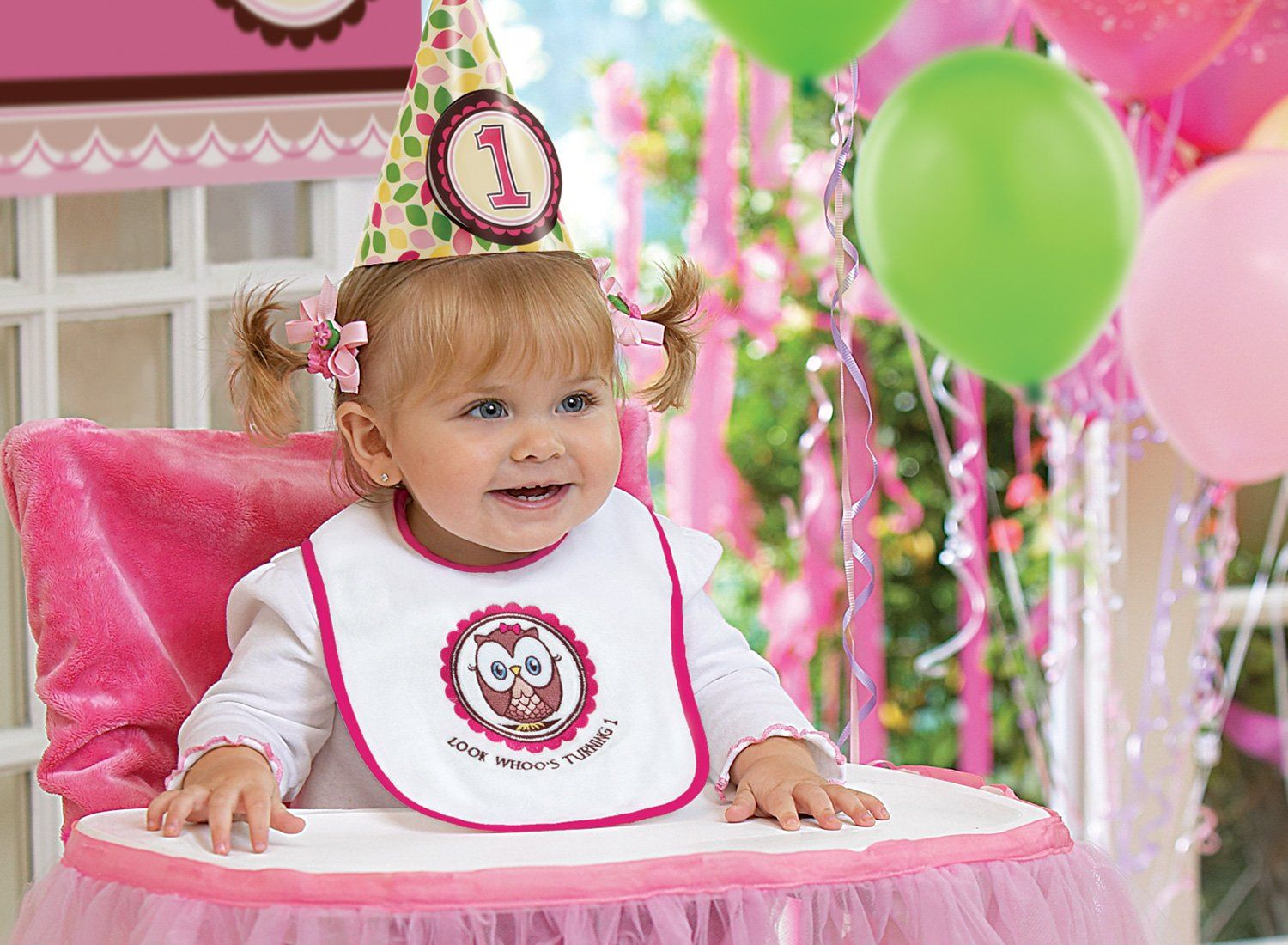 22 Fun Ideas For Your Baby Girl's First Birthday Photo