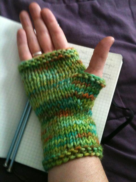 Free Pattern.Ravelry: Bulky Fingerless Gloves on 2 Straights pattern ...