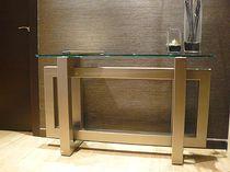 Sidetable Met Glasplaat.Mooi Sidetable Met Inox Tafelonderstel En Glasplaat