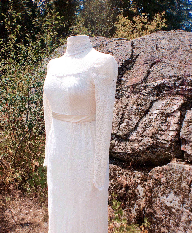 Beaded vintage style wedding dresses pinterest gunne sax ivory