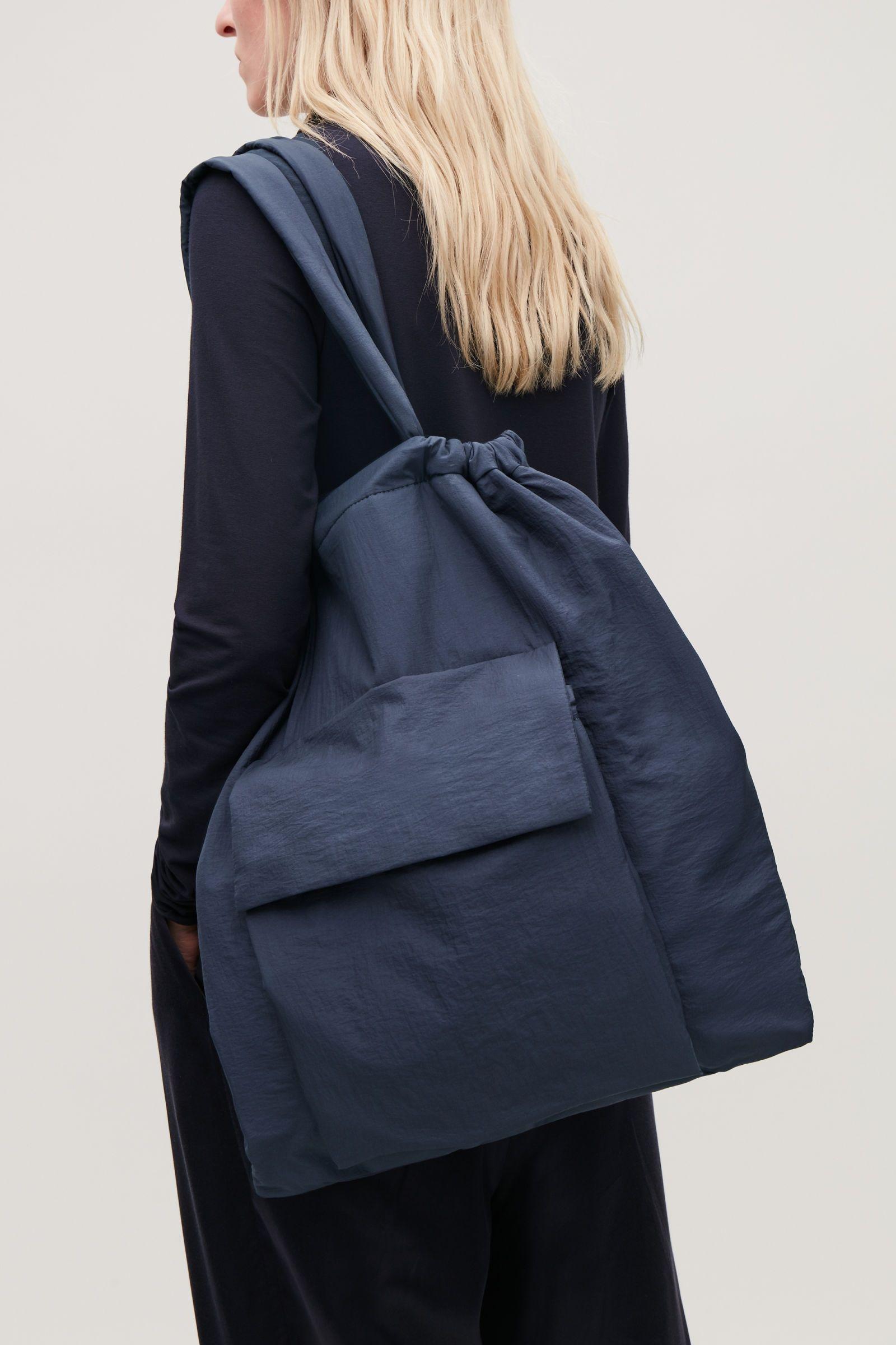 9e6a7530e9684 duża torba COS   Moda / Fashion   Bags, Navy tote bags i Tote Bag