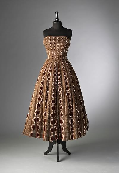 "Christian Dior haute couture brown tulle evening gown ""Esther"" Profile Line, Autumn-Winter 1952"