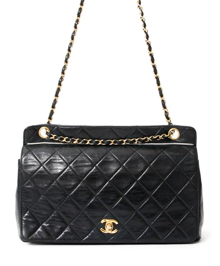 97ab2ce05b5bcc Vintage Chanel Flap Bag | We LOV Chanel | Vintage chanel, Chanel, Bags