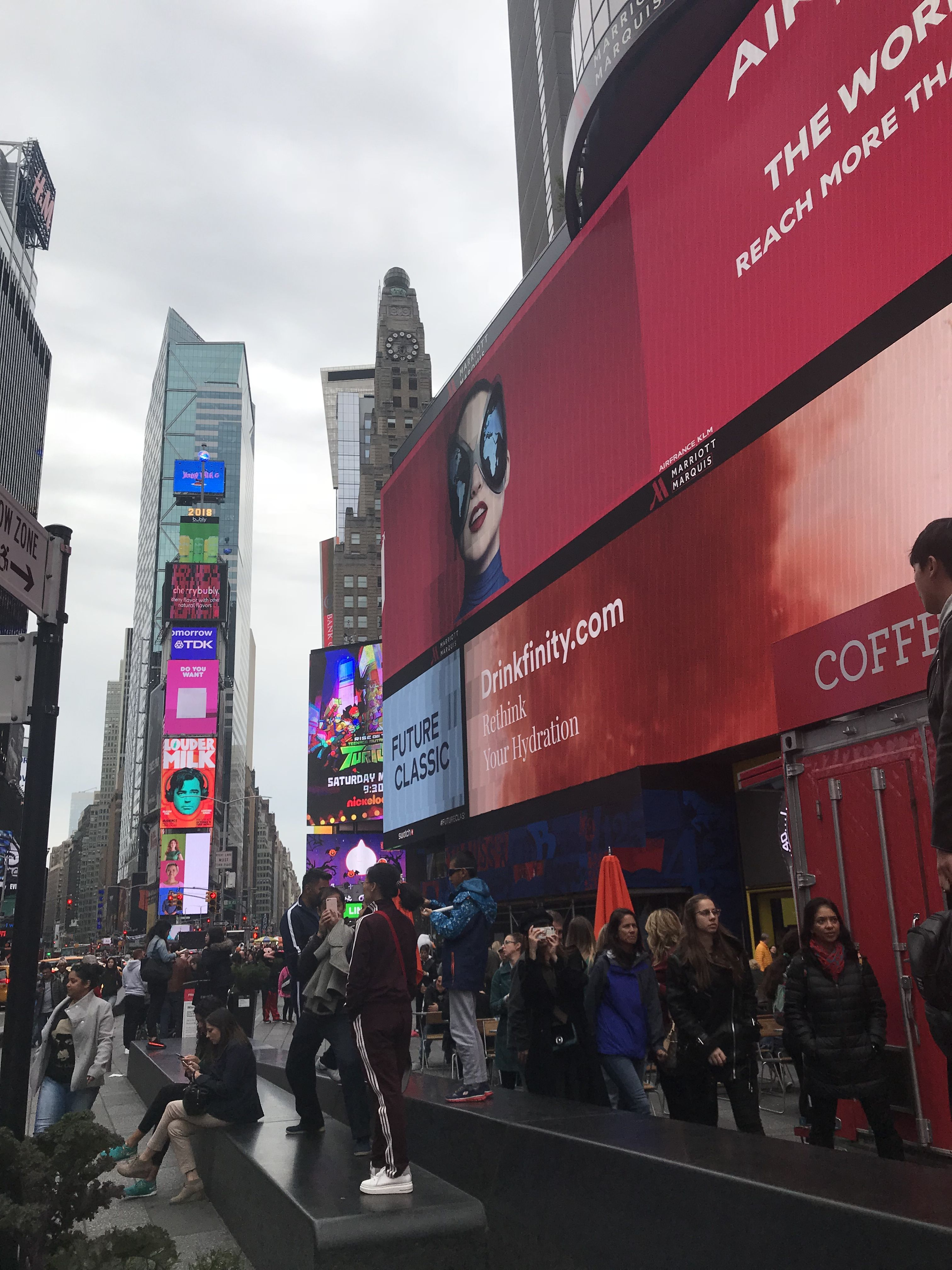 pin by karnysak on things to do in times square nyc nyc stuff to rh in pinterest com things to do in times square with a baby