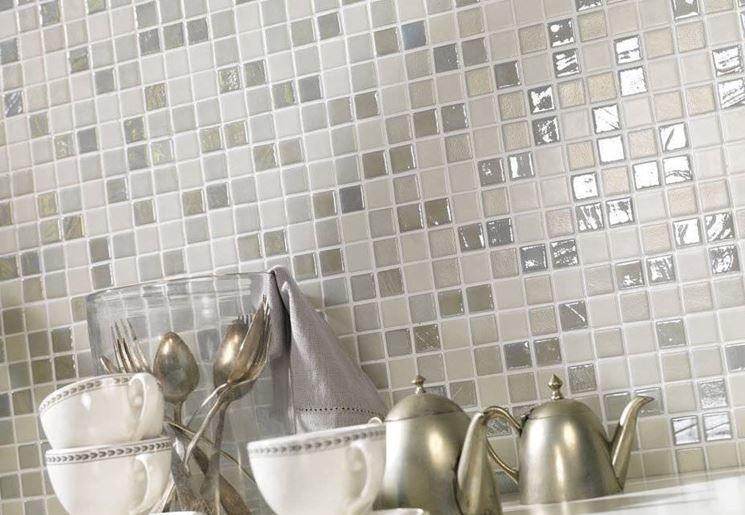 Un rivestimento a mosaico designer pinterest for Mattonelle mosaico cucina