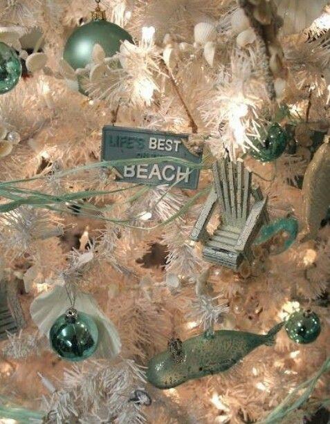Beach Christmas tree.