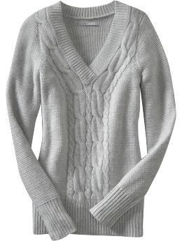 V-neck long sleeved cable-knit sweater