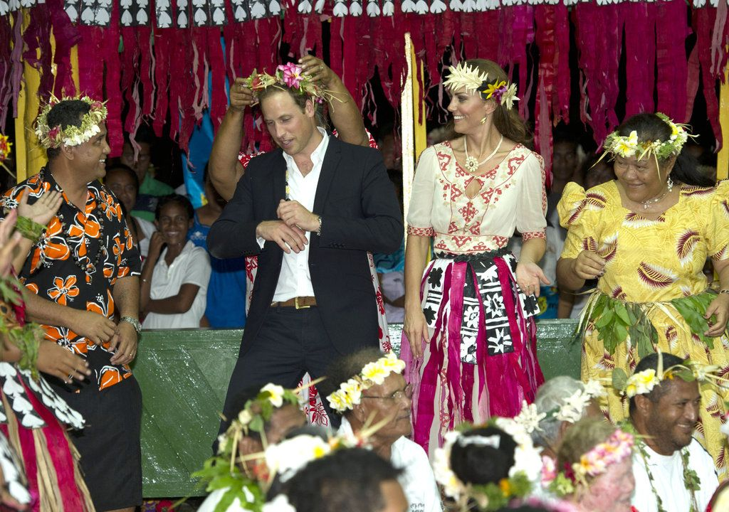 Prince William and Kate Middleton Dance in Tuvalu Photo 83