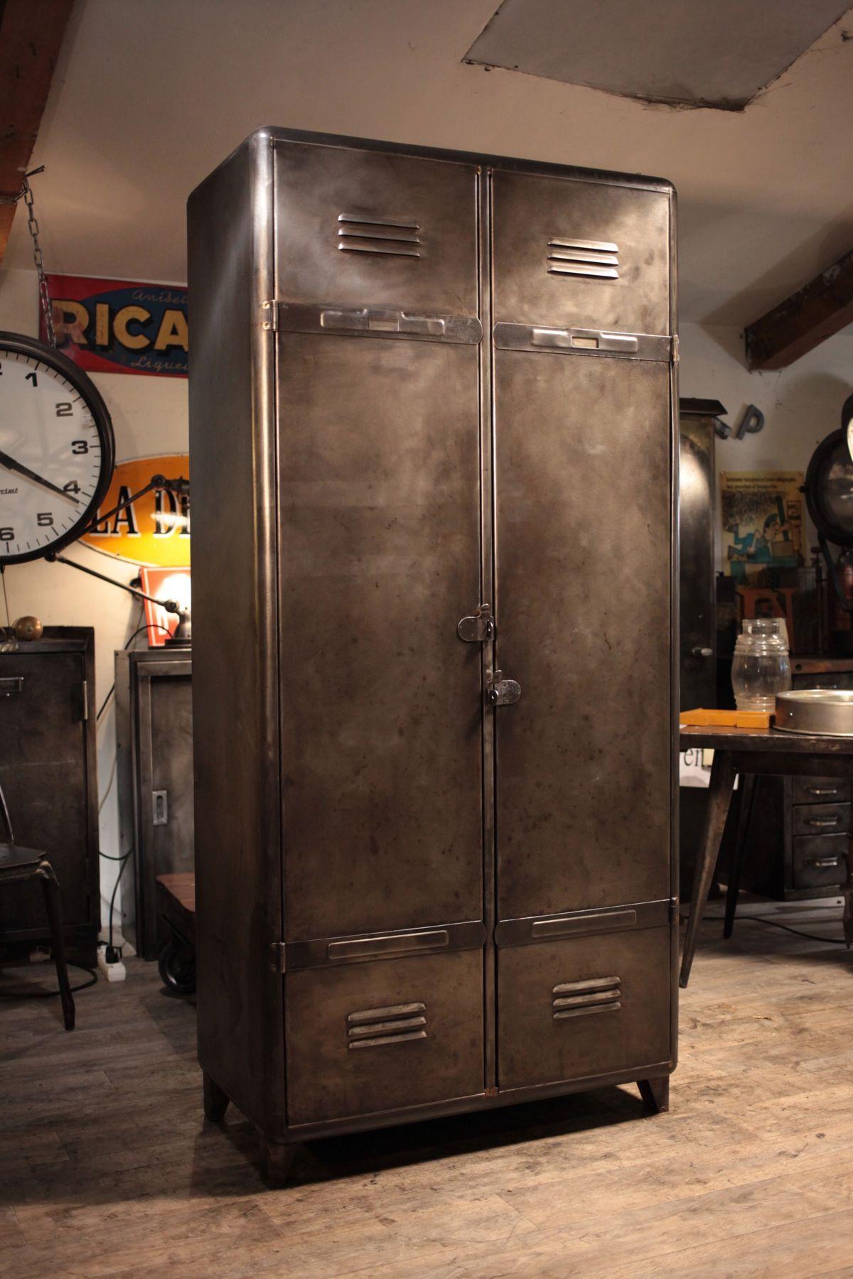 Epingle Par Antiquitesdesign Com Renaud Ja Sur Meuble Industriel Vintage De Renaud Jaylac Decoration Style Industriel Retro Meuble Salle De Bain Armoire Metallique