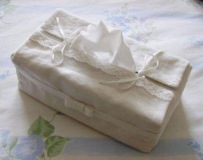 Patron de couture pour recouvrir une bo te de mouchoir et for Boite a couture pour fillette