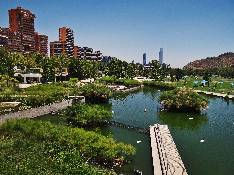 Parque Bicentenario - Santiago | Santiago de chile, Vacaciones en chile, Parques