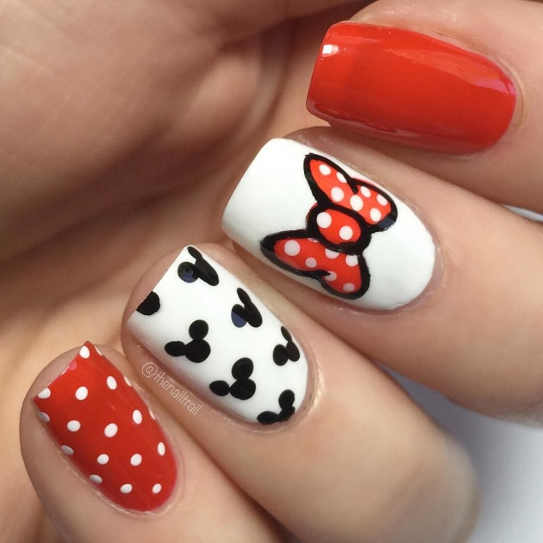 Mickey Mouse Disney Inspired Nails Body Pinterest Disney Nails