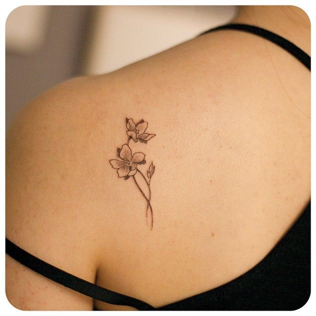 Https S Media Cache Ak0 Pinimg Com 736x 0f 14 B3 0f14b3325e7382d62ac5ae94ea89ad33 Jpg Tattoos Flower Tattoo Shoulder Tattoos For Women Small